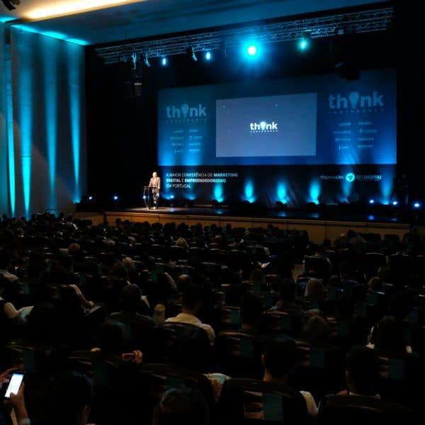 Público durante uma das palestras da Think Conference.